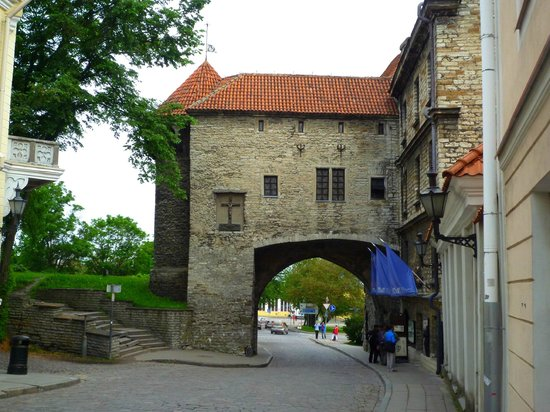 Rixwell Gotthard Hotel: Old Town Sea Gate (Fat Margaret) - 50m from hotel