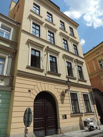 Retezova Apartments : facade