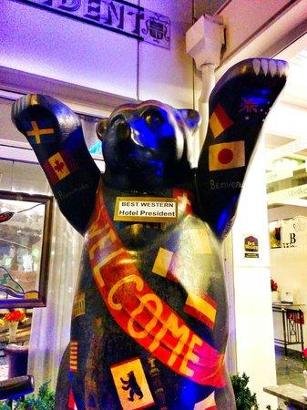 BEST WESTERN Hotel President: Greeting Bear (possibly gay)