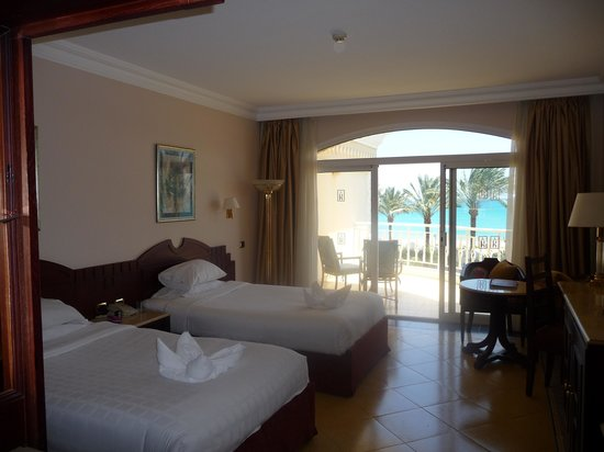 SENTIDO Palm Royale : bedroom
