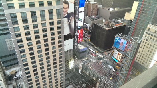 New York Marriott Marquis : View from 30th floor