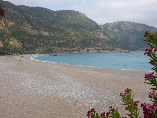 Strand von Ölüdeniz (Blaue Lagune): Plaża na lagunie