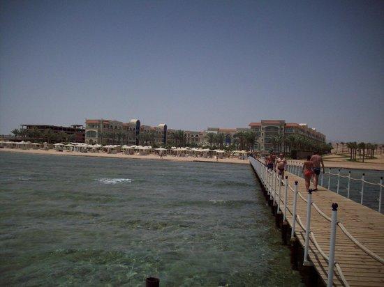 Sensimar Premier Le Reve : View hotel from sea jetti