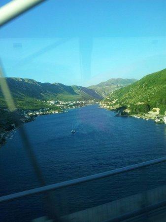 Vue depuis le bus qui fait le trajet  Dubrovnik _ hotel nimfa  3h00 de bus