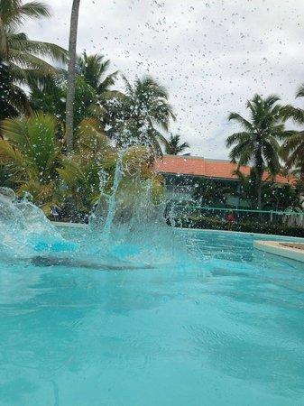 Grand Paradise Samana : JEJEJEJ un chapuzon para el calor
