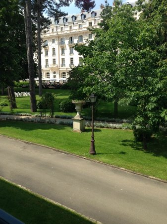 Trianon Palace Versailles, A Waldorf Astoria Hotel: View from our room