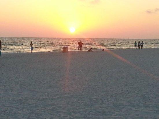 Sirata Beach Resort: Beach from Hotel