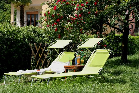 bed and breakfast greenfairy porlezza giardino posteriore ideale per bagni di sole