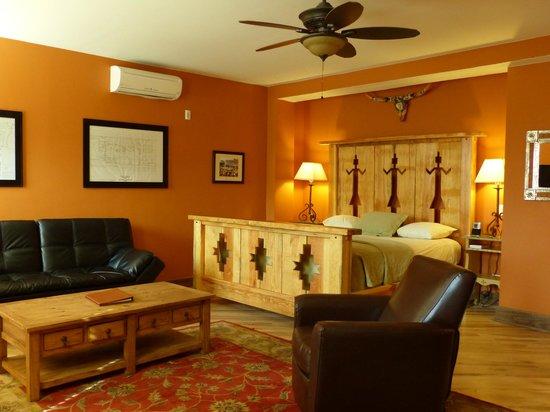 La Posada Hotel: La Posada Doublemint Twins Room 240