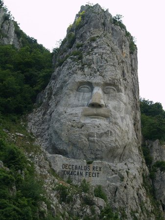 Orsova, Romania: Statue of Decebal