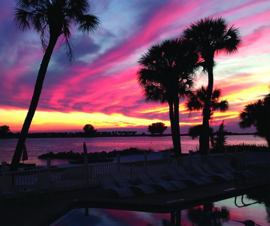 Wyndham Garden Clearwater Beach : Sunset from Deck