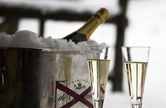 Le Chalet du Rassel : Champagne reception