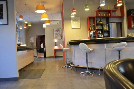 Brit Hôtel : Bar