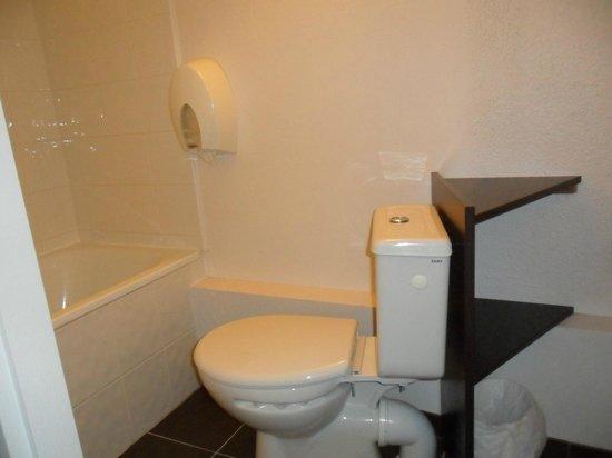 Brit Hôtel : Salle de bain