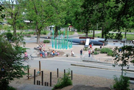Slottsskogen : Plika - största lekparken finns i slottskogen
