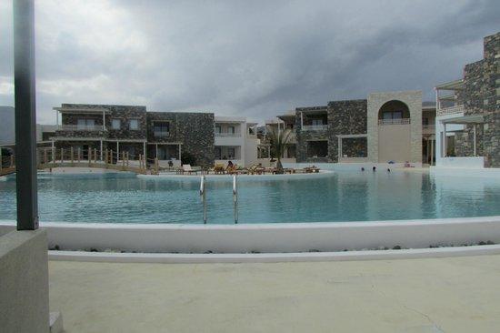Ostria Resort & Spa : 1 des piscines sur 4.