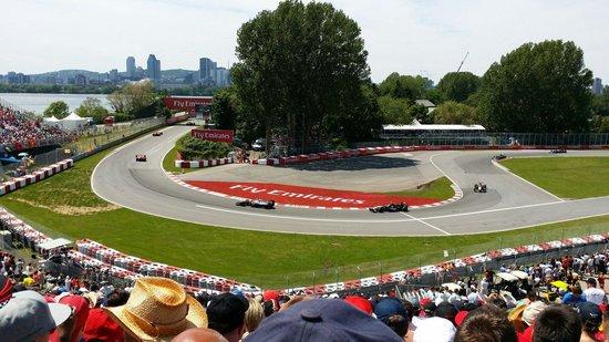 Circuit Gilles Villeneuve : Action grandstand. Section 12