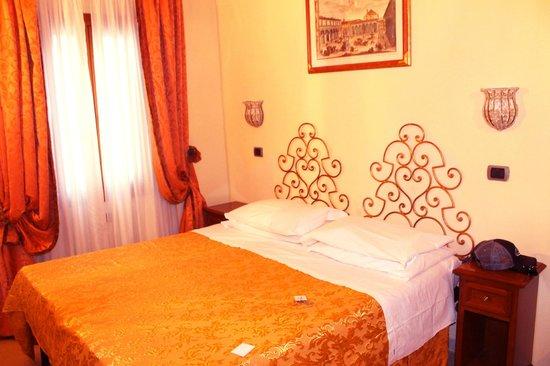 Domus Florentiae Hotel : Double Room