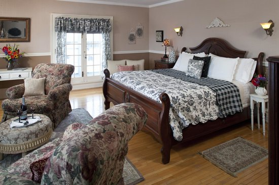 A G Thomson House Bed and Breakfast: Edwin Hewitt Room
