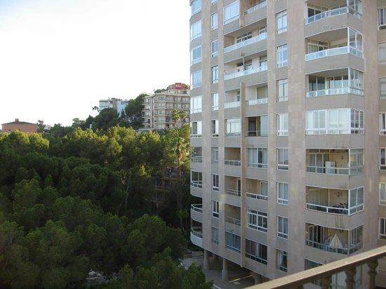 Barcelo Illetas Albatros: Apartments overlooking balcony
