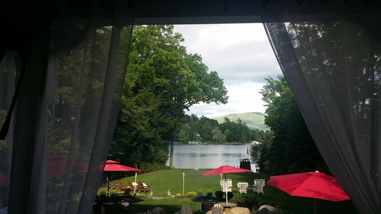 Chateau On the Lake : Our view for dinner