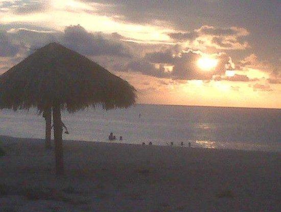 Hotel El Punto: excelente playa
