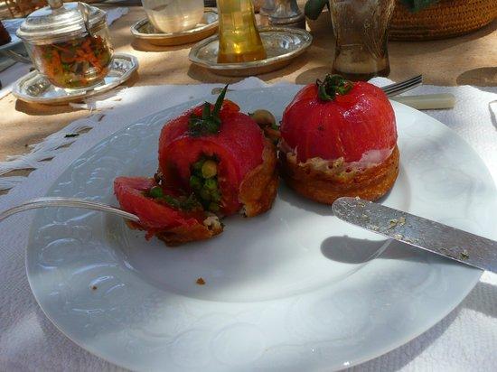 Adrere Amellal: Desert Ecolodge: tomates farcies !