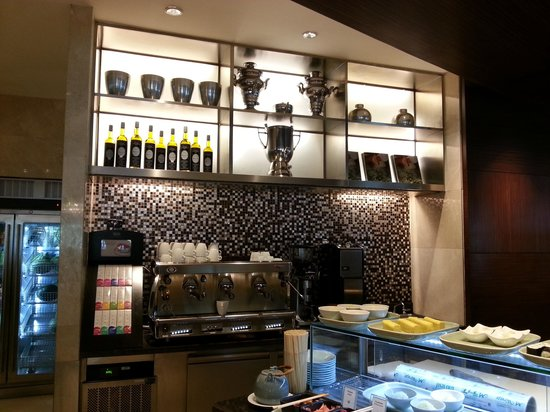 InterContinental Bangkok: Breakfast Buffet has a great Coffee Machine Counter