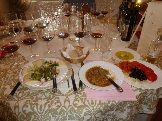 Tenuta Torciano : Wine & Lunch Spread