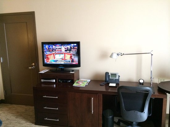AT&T Executive Education and Conference Center : Small tv and writing desk
