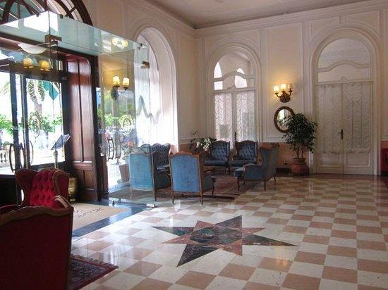 Hotel Excelsior Splendide: La porta d'ingresso