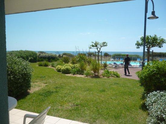 Apartamentos Pierre & Vacances L'Estran: vu de la piscine de notre terrasse