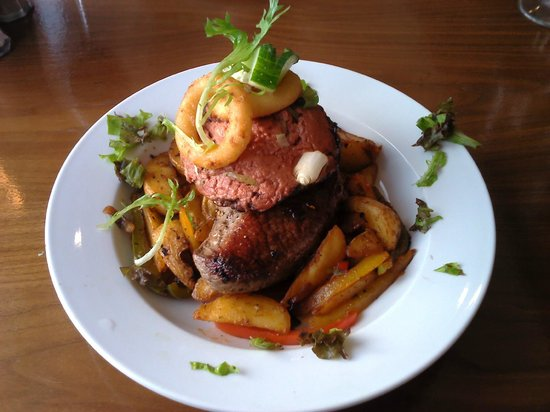 North Ocean Hotel: Steak rossini from the specials board