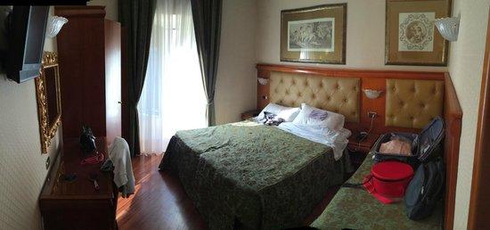 Serena Hotel : room 512