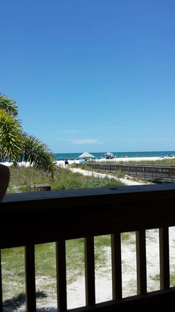 Jimmy B's Beach Bar: Lunch with an awesome view