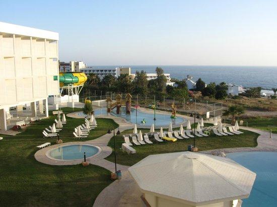 Laura Beach Hotel: Бассейн