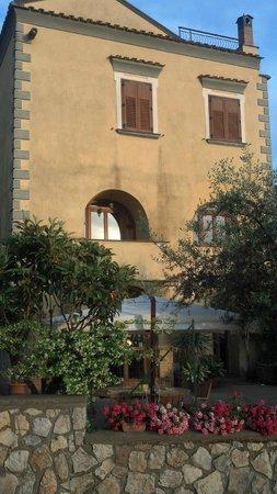 Agriturismo Antico Casale Colli di San Pietro: the antico casale