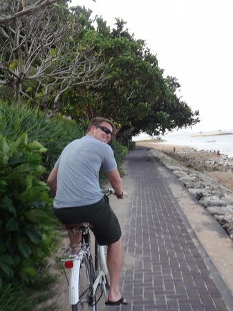 Sanur Beach: Biking