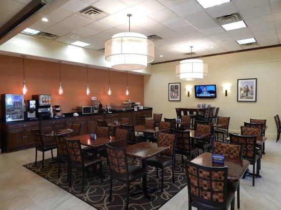 Best Western Plus Augusta Civic Center Inn: Newly Renovated Breakfast Room