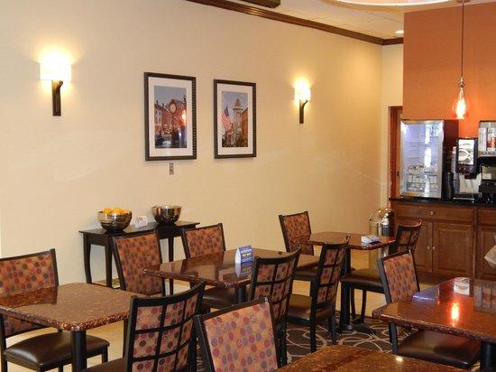 BEST WESTERN PLUS Augusta Civic Center Inn: Breakfast Nook