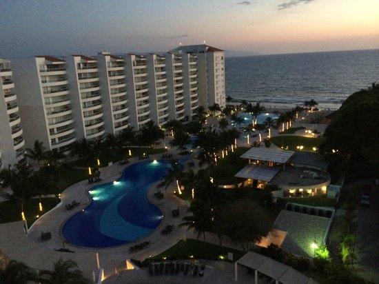 Dreams Villamagna Nuevo Vallarta : Sunset View from our room
