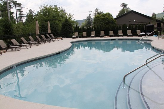 200 Main by Old Edwards: Heated Mineral Pool