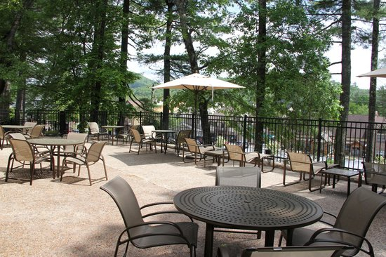 200 Main by Old Edwards: Terrace for guest relaxation