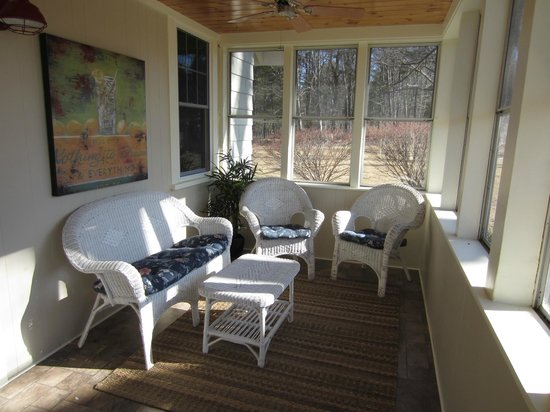 Shore Hills Campground : Enclosed front porch at rental home