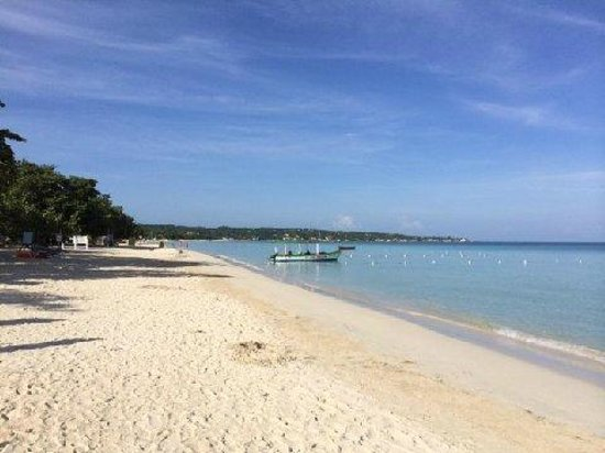 Grand Pineapple Beach Negril : MAGNIFICENT BEACH