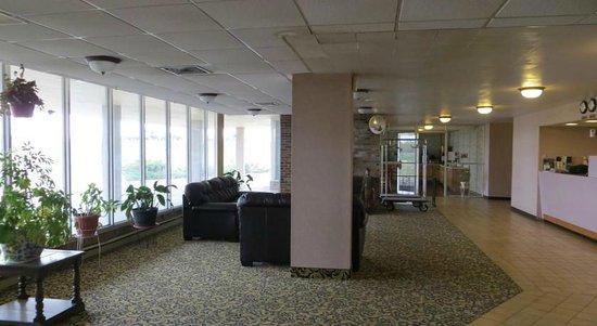 Days Inn Princeton: Lobby Area