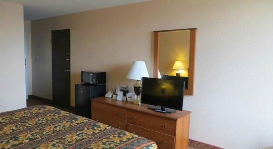 Days Inn Princeton: Flat screen TV, Fridge & Microwave