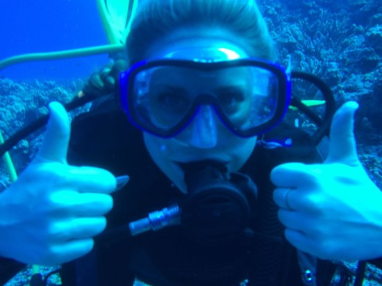 Two thumbs up for big island divers! ����