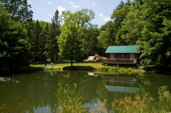 Cranberry Township, PA: Fisherman Rental Cabin at Camp Coffman