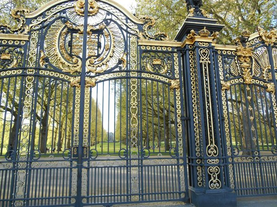 Buckingham Palace: Beautiful Gate